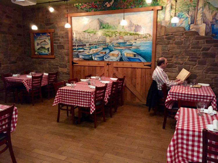 Expanded dining space at Pazzo Pomodoro in Vienna