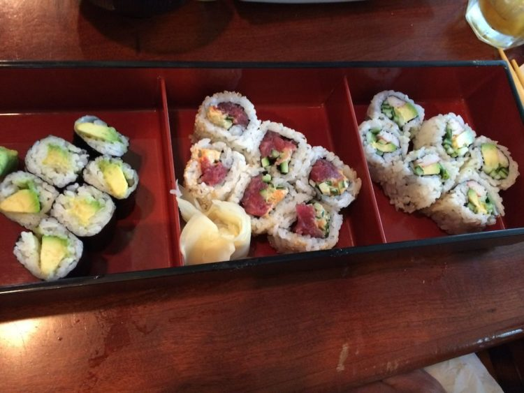 Ariake Reston Sushi roll combo