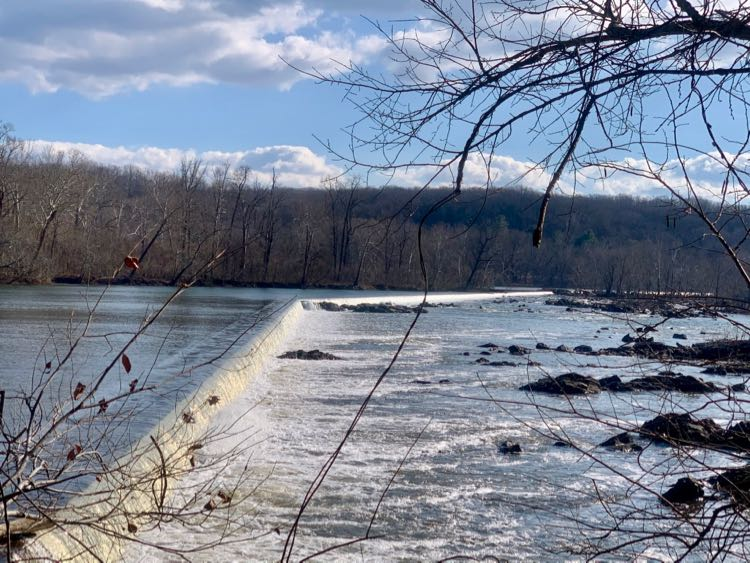 Pass the Aqueduct Dam when you hike Riverbend Park to Great Falls in Northern VA