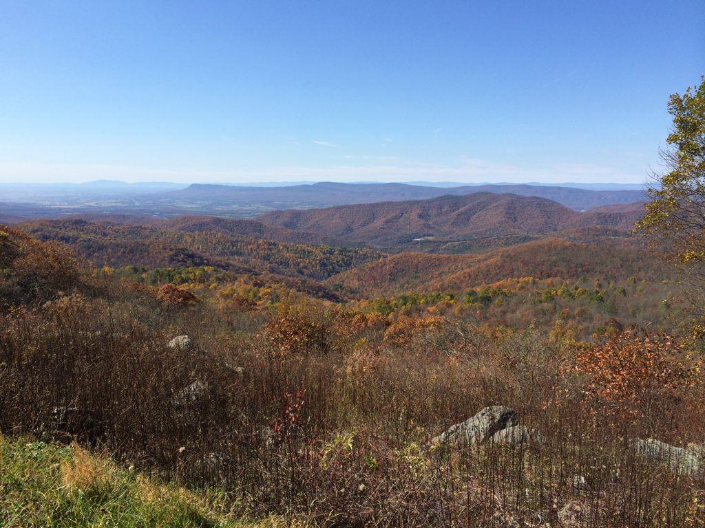 Westward vista Shenandoah late October