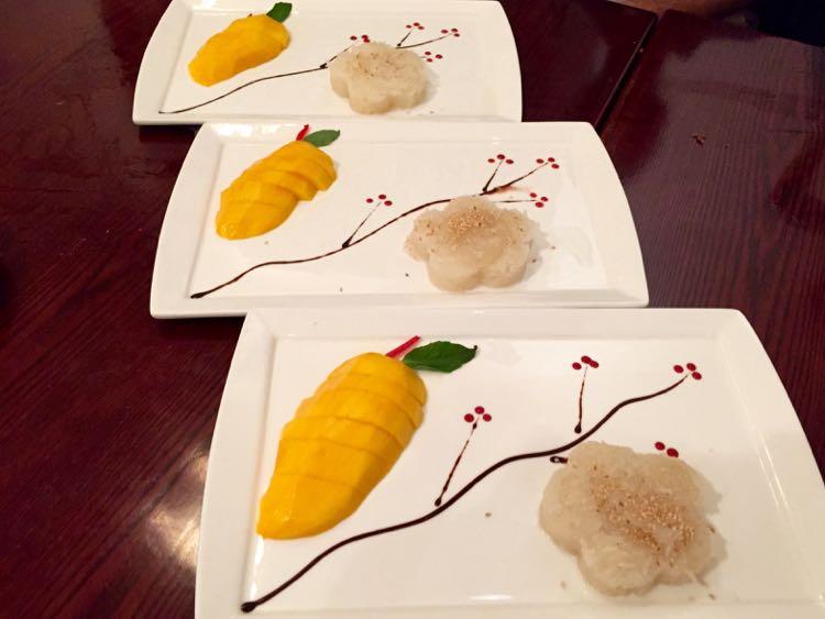 Elephant Jumps Mango sticky rice