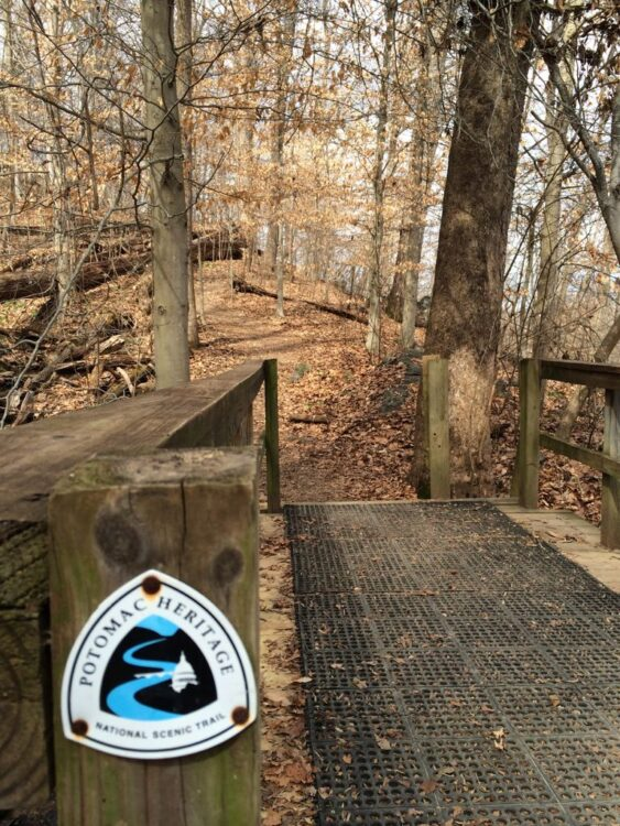 Potomac Heritage Trail marker and bridge at Riverbend Park