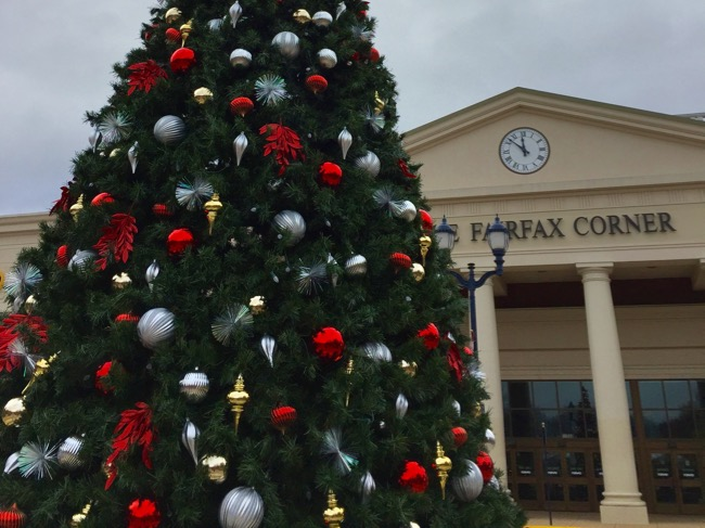 Fairfax Corner Christmas tree