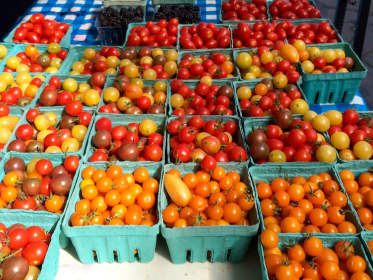 Farmers Markets 2017 tomatoes