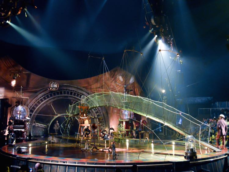KURIOS Cabinet of Curiosities stage