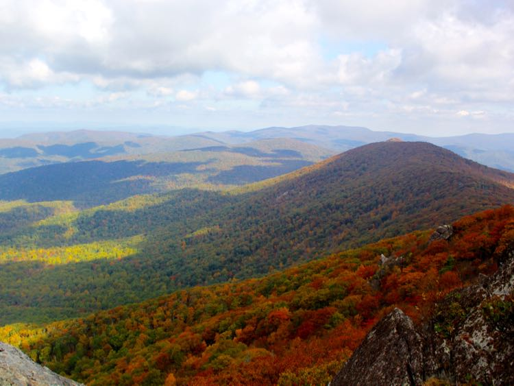 Autumn view north from The Pinnacle, Shenandoah National Park