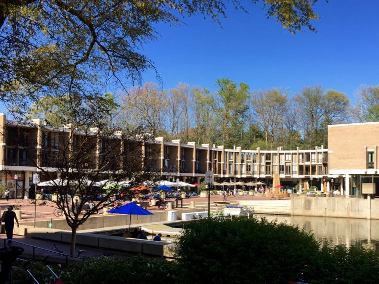 Lake Anne Plaza Reston