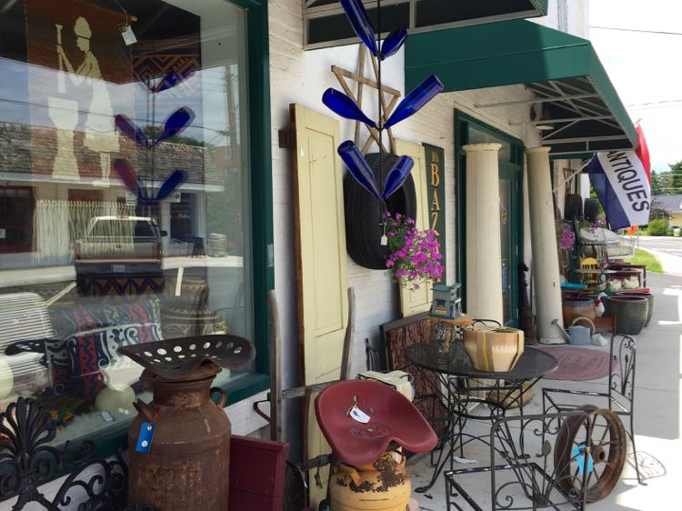 Antique shopping Purcellville Virginia