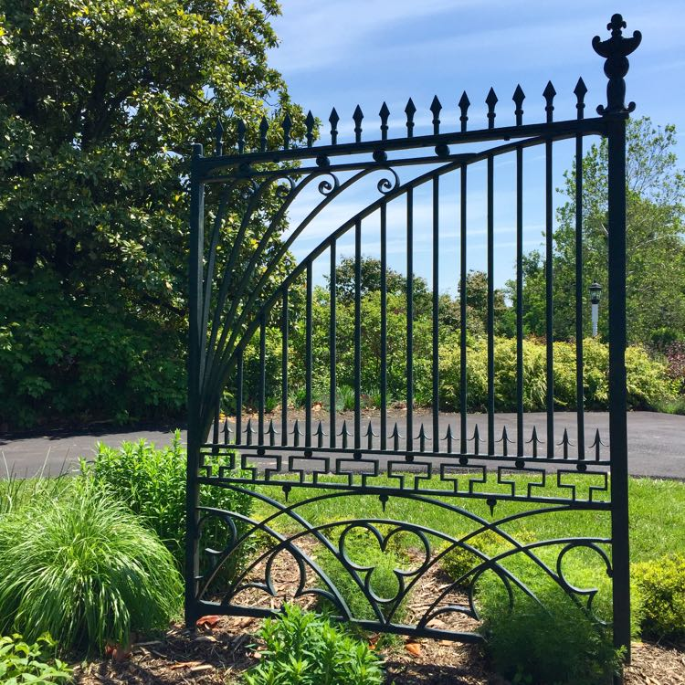 White House gate River Farm
