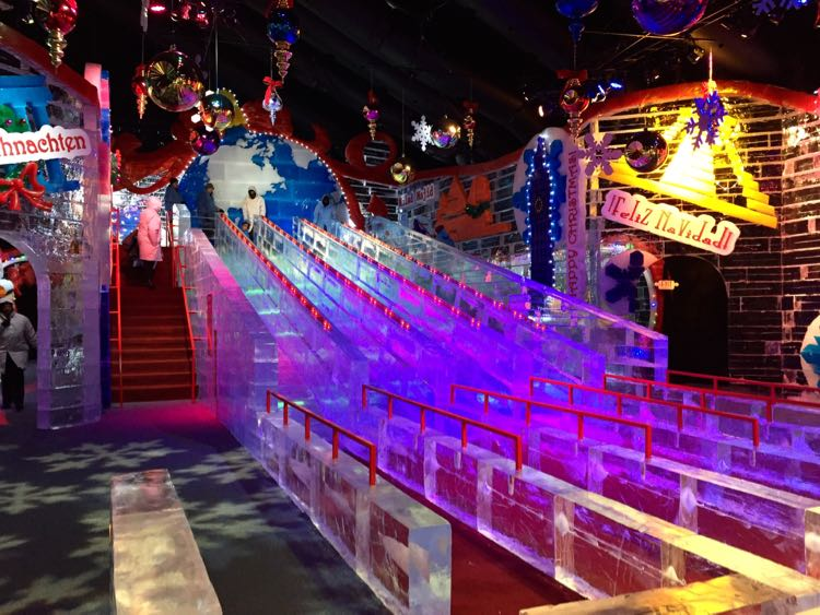Ice slides ICE Gaylord National Harbor
