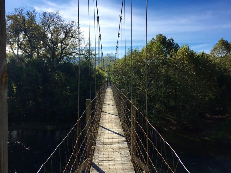 Suspension bridge Shenandoah Valley north