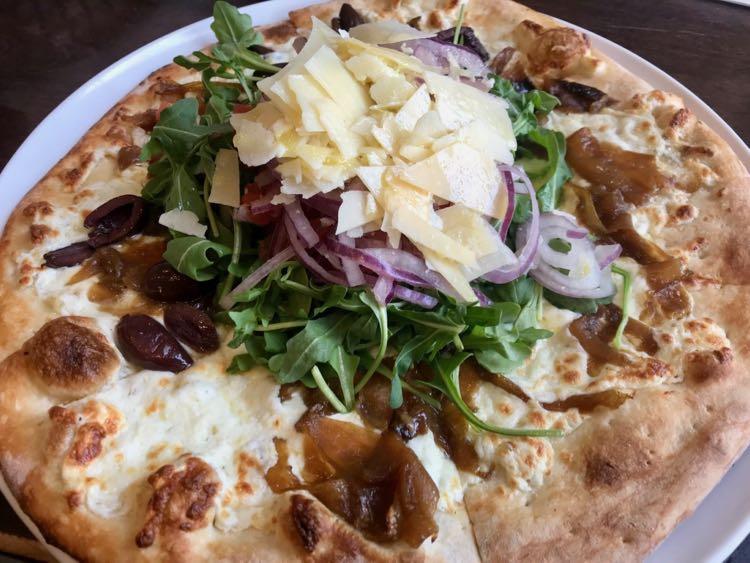 Cafesano Bianca Insalata pizza