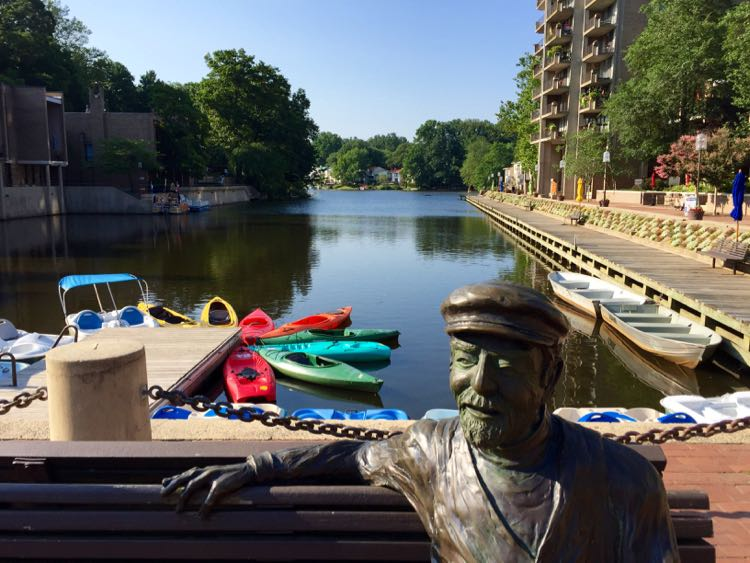 Northern Virginia boating on Lake Anne Reston