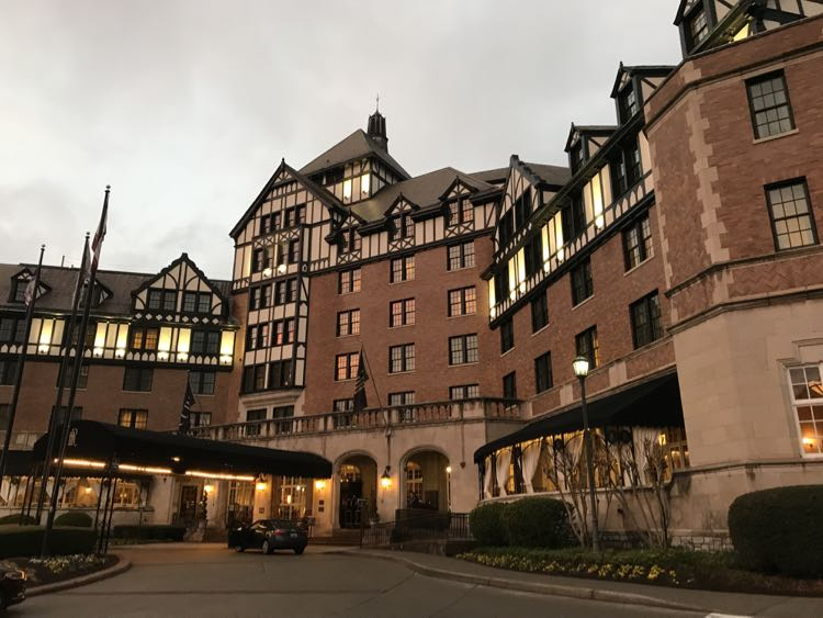 Hotel Roanoke in Virginia's Blue Ridge