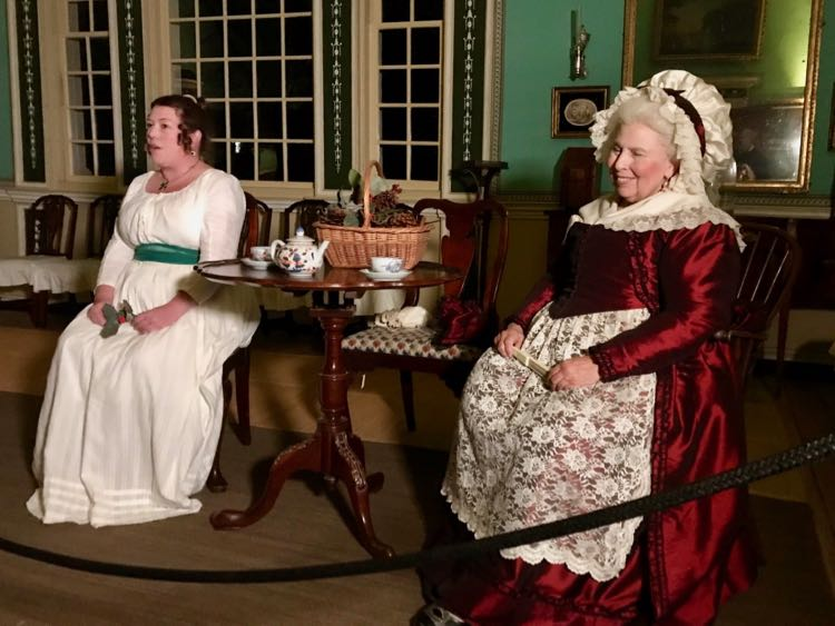 Lady Washington shared her holiday traditions in the Mount Vernon by Candlelight tour