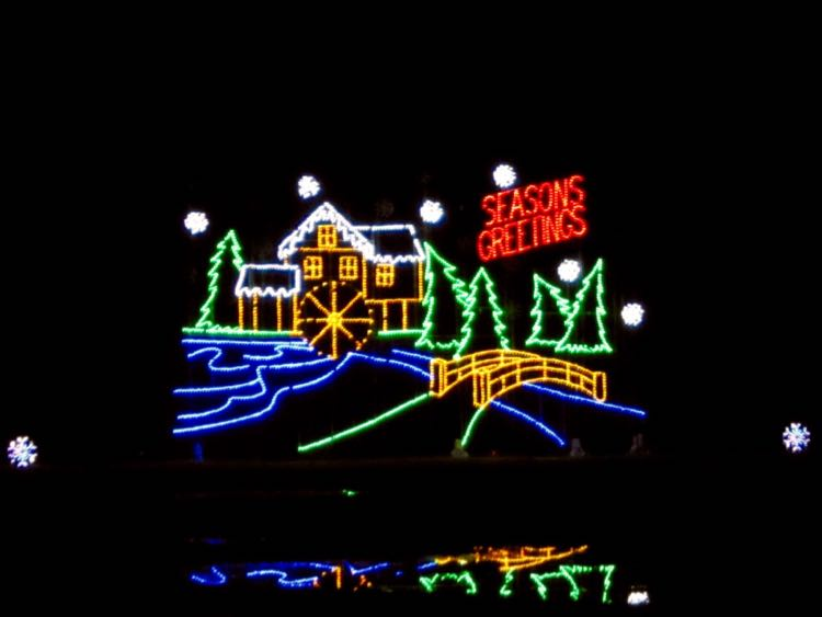 Bull Run Festival of Lights holiday drive through display