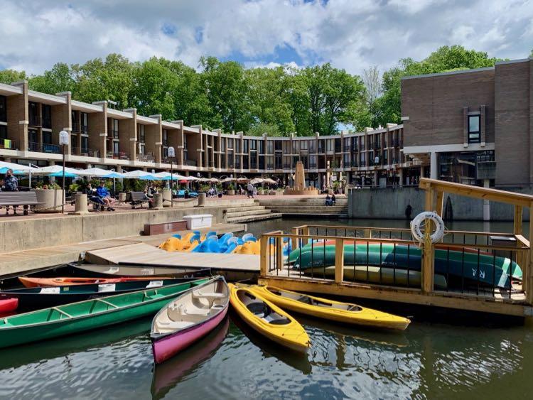 Rental boats Lake Anne Reston