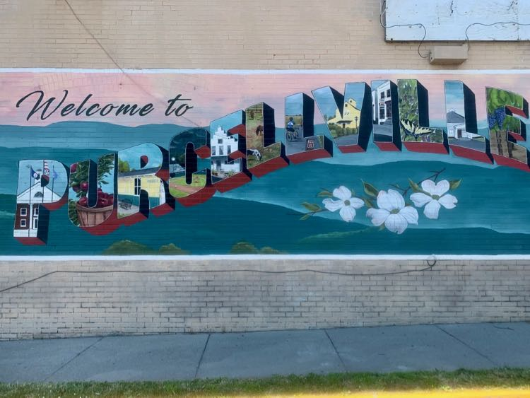 Welcome to Purcellville mural