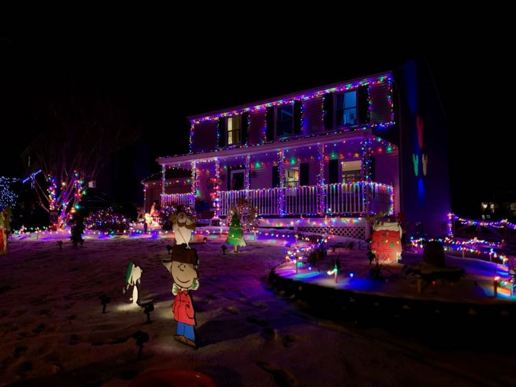 Franklin Farm holiday lights Herndon