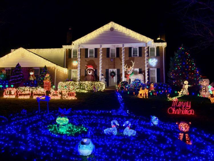 Holiday lights at 11904 Paradise Lane Herndon