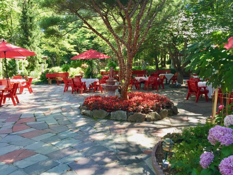 L'auberge Chez Francois patio Great Falls Virginia