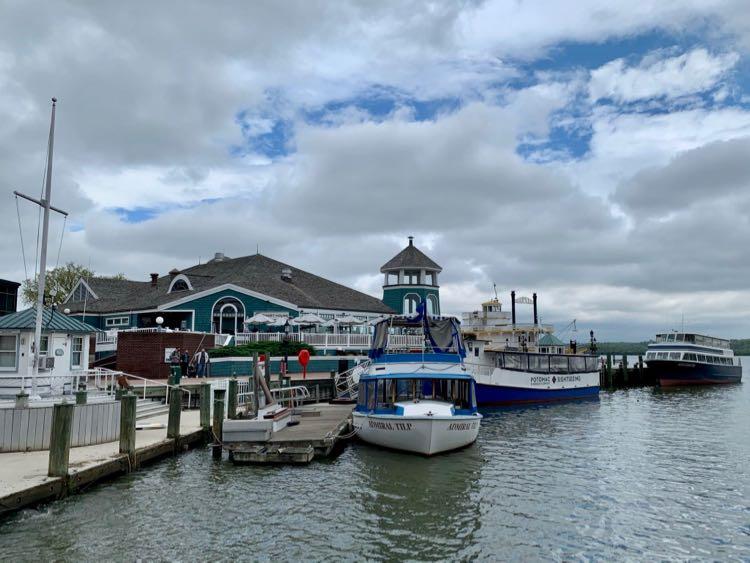 Alexandria waterfront tour boats