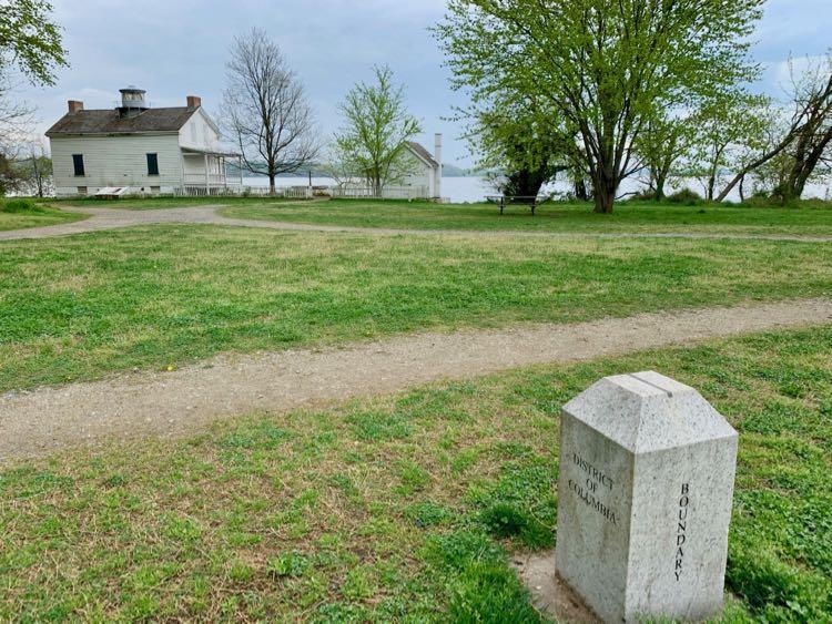 Jones Point Park lighthouse and boundary marker