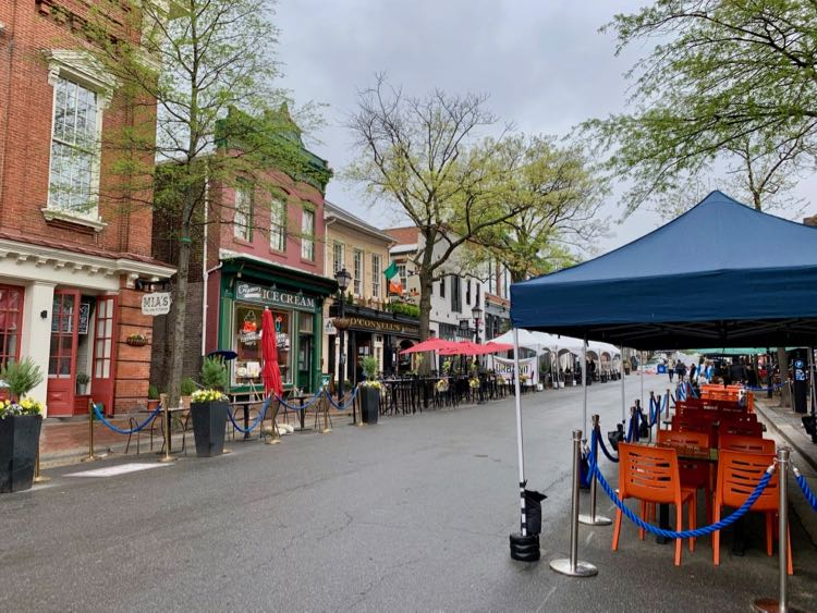 King St restaurants and shops in Old Town Alexandria