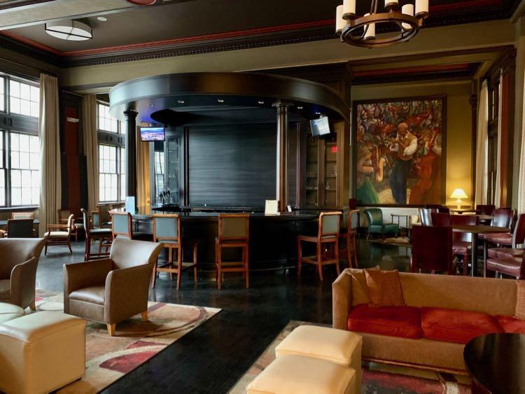 Half Note Lounge at The George Washington Hotel